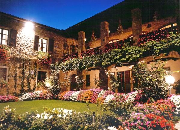 Vista della Masseria con giardino